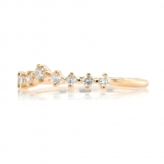 0.19 Carat V Shape Graduated Diamond Contour Ring Band In 14K Yellow Gold