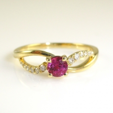 0.35 Carat Ruby And Diamond Ring In 14k Yellow Gold