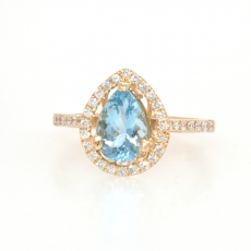 1.10 Carat Aquamarine and diamond ring in 14k Yellow gold