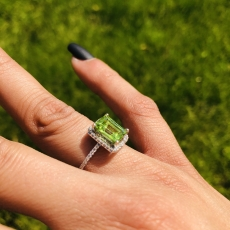 1.69 CARAT PERIDOT AND WHITE DIAMOND RING IN 14K WHITE GOLD