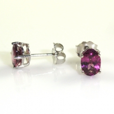 2 Carat Rasberry Garnet Stud Diamond Earring In 14k White Gold