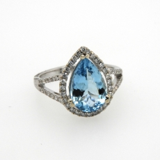 2.67 Carat Natural Aquamarine With Diamond Ring In 14k White Gold