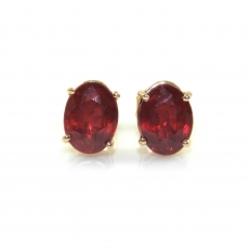 3.85 Carat Madagascar Ruby Stud Earring In 14k Rose Gold