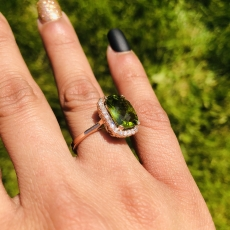 5.19 Carat Peridot And Diamond Ring In 14k Rose Gold