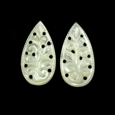 CARVED MOTHER OF PEARL 25.80 CARAT PEAR SHAPE 32X17X2MM