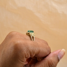 Colombian Emerald Oval 1.26 Carat Ring With Diamond Accent in 14K Yellow Gold