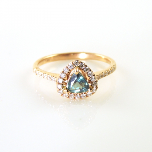 0.44 Carat Natural Color Change Alexandrite And Diamond Ring In 14k Rose Gold