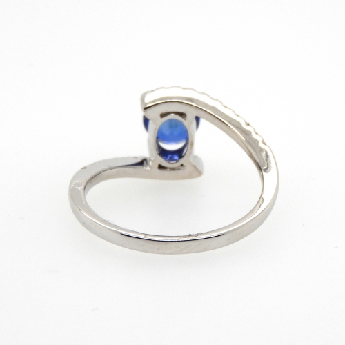 0.90 Carat Blue Sapphire And Diamond Ring In 14k White Gold