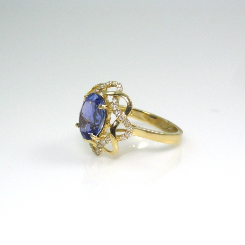 2.47 Carat Tanzanite And Diamond Cocktail Ring In 14k Yellow Gold