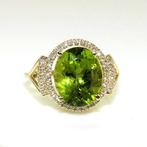 4.06 Carat Peridot And Diamond Ring In 14k Yellow Gold